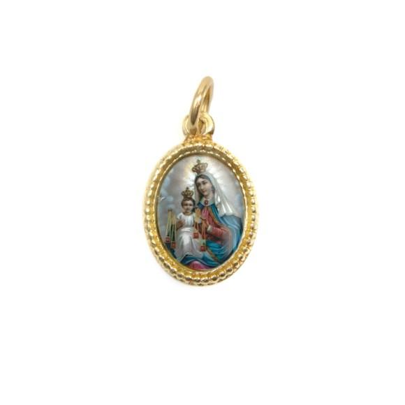 MD102018P20 - Medalha de Alumínio Oval Dourada c/ 20un. N. Sra. Do Carmo - 1,5x1cm