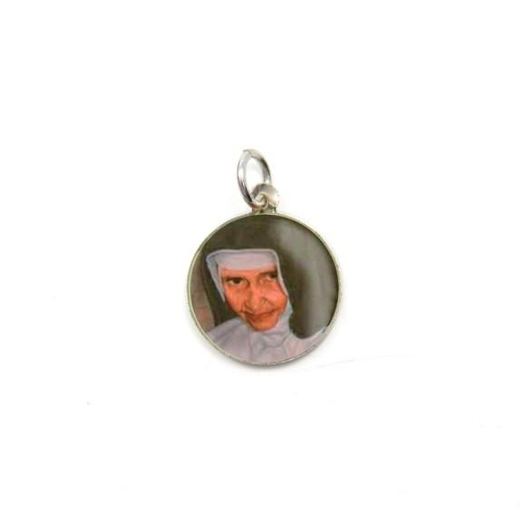 MD104003P5 - Medalha Santa Dulce dos Pobres (Irmã Dulce) Alumínio Redonda c/ 5un. - 1,5x1,5cm