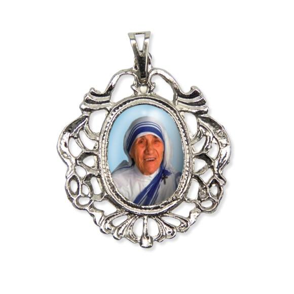 MD129004 - Medalha Madre Teresa de Calcutá Camafeu Níquel - 5,5x4,2cm