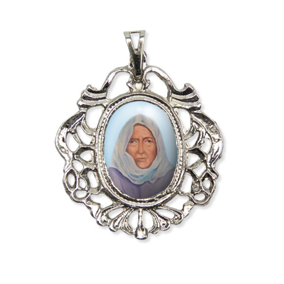 MD129045 - Medalha Nha Chica Camafeu Níquel - 5,5x4,2cm
