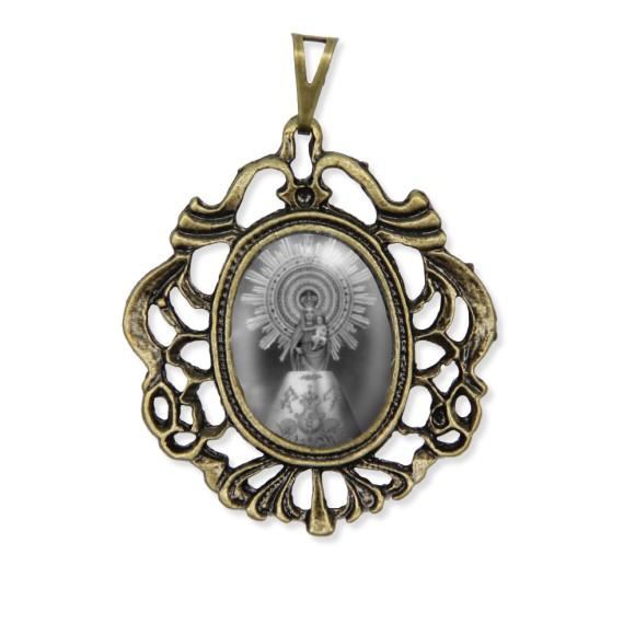 MD129209 - Medalha N. Sra. Do Pilar Camafeu Ouro Velho - 5,5x4,2cm